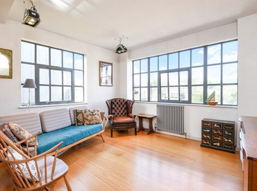 Whitacre Mews, Stannary St, SE11